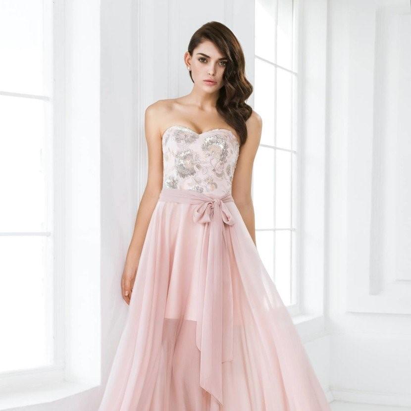 Фото 1 - Платье для выпускного - пошив или прокат?
