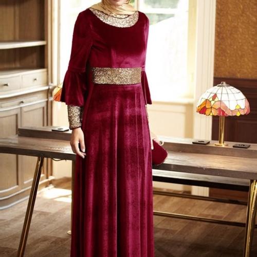 Красное мусульманское платье