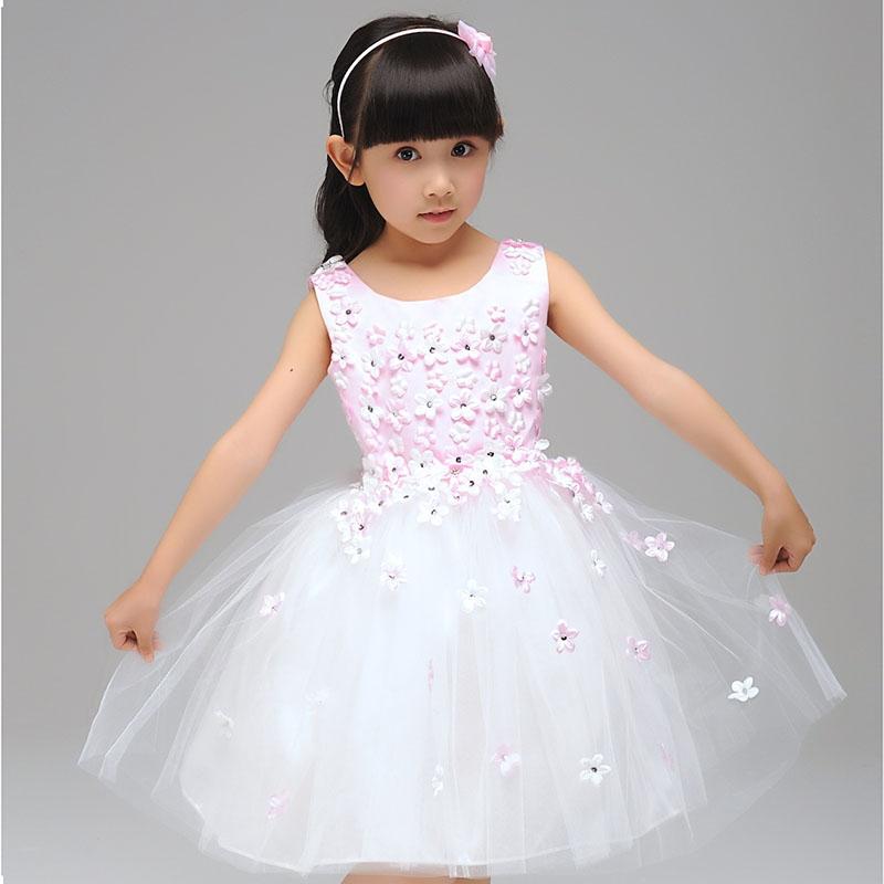 Фото 1 - Правила выбора выпускного платья в детский сад