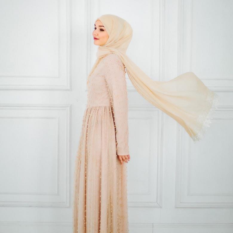Современные платья на никах